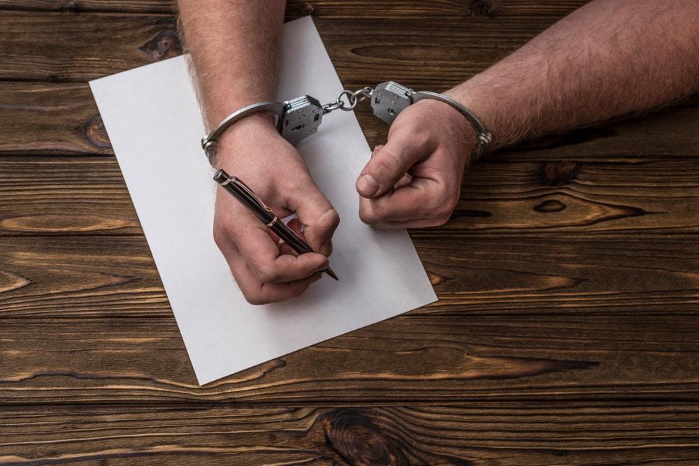 Preso assina procuração para advogado criminalista em Benfica